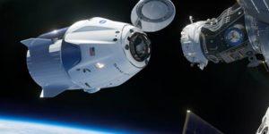Корабель Crew Dragon успішно пристикувався до МКС