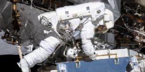 Уперше дві жінки-астронавтки вийшли у відкритий космос